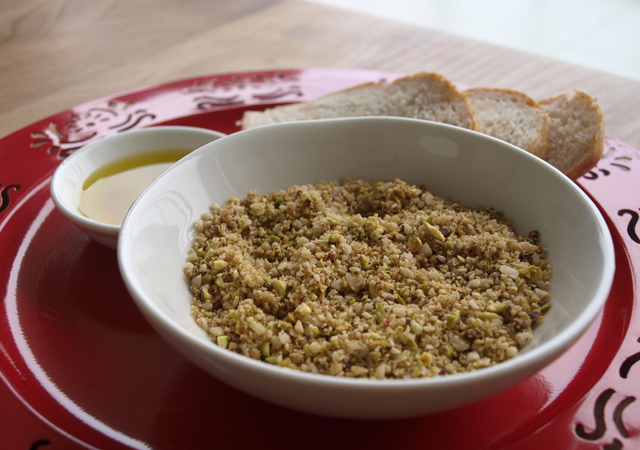 Dukkah-olive-oil-bread-4