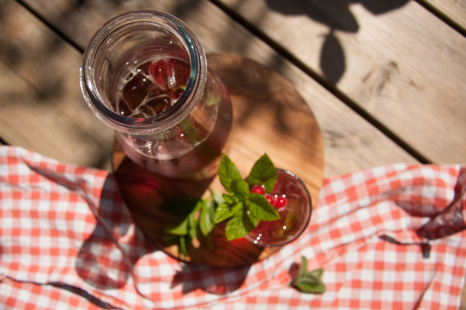 LL_HH_pimms-and-gin_bottle