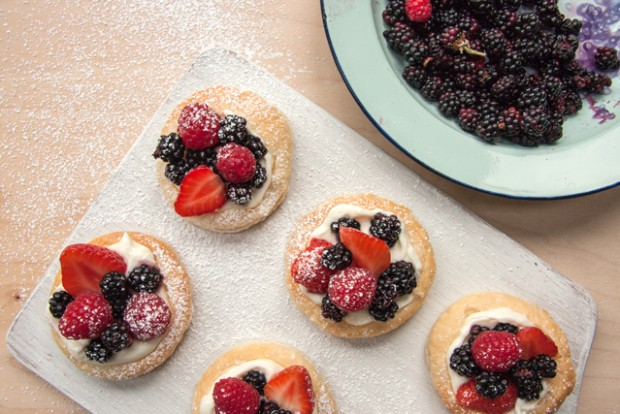 LL_Blackberry-tart_02