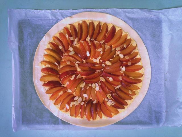 easy autumn baking plum and almond tart