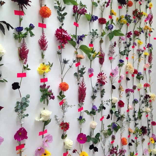 Diy Make A Fresh Flower Backdrop Ladylandladyland