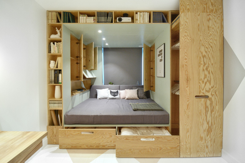 maximum use of space in teenagers bedroom