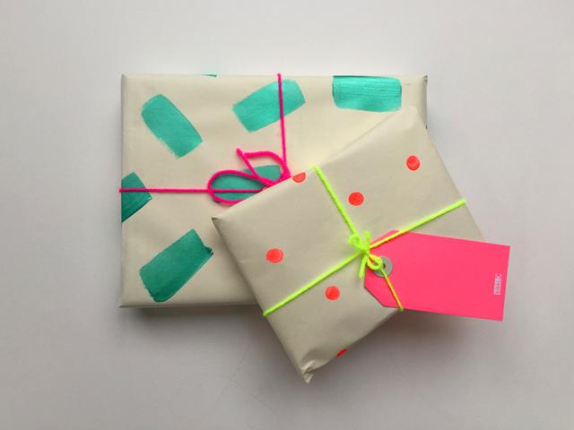 Super Easy Diy Wrapping Paper Ladylandladyland