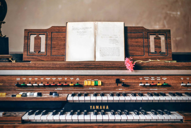 Ladyland Book Club – Novecento - A piano – Tim Gown Photography