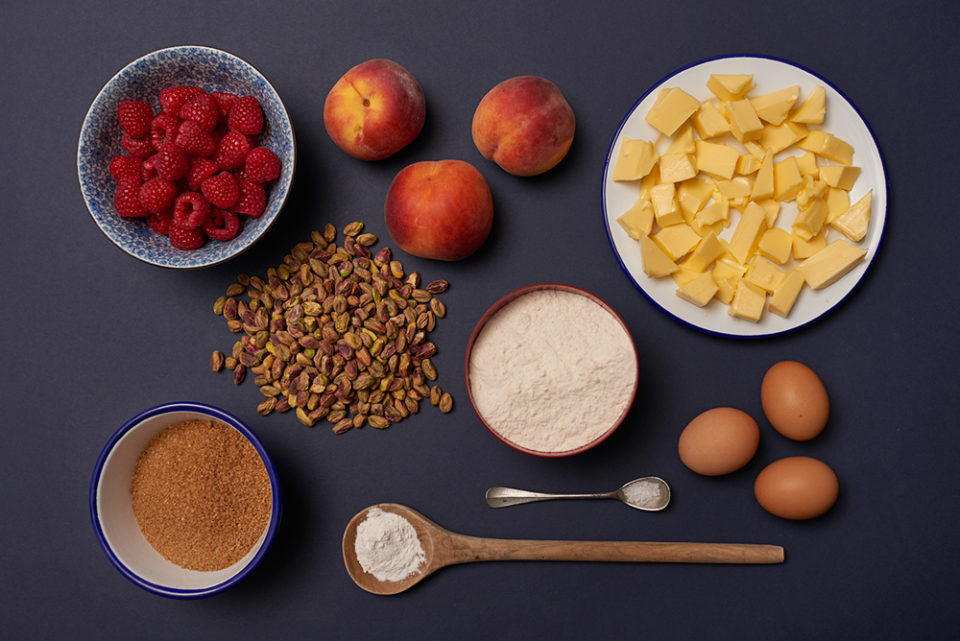 pistacchio raspberry 'n' peach cake - ingredients