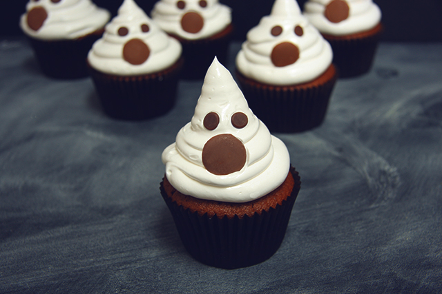 ladyland_ghost-cupcakes_10