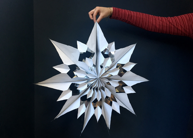 ladyland_paper-snowflake2