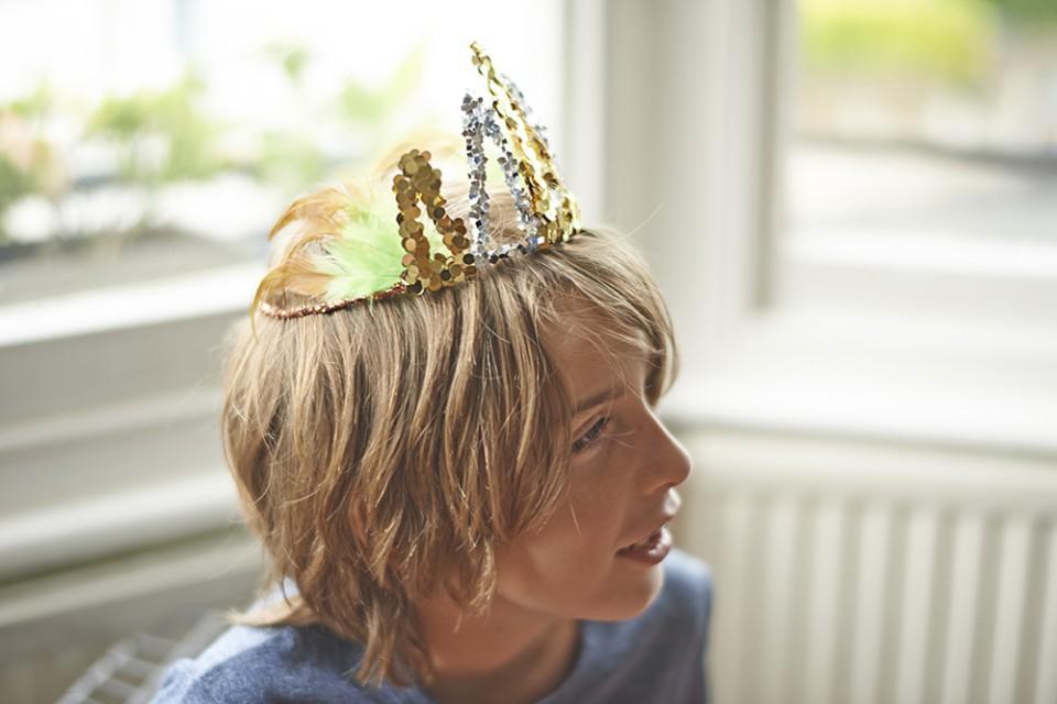 confetti crowns - Raphael